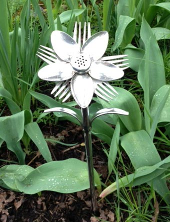 Summer Flower Yard and Garden Stake